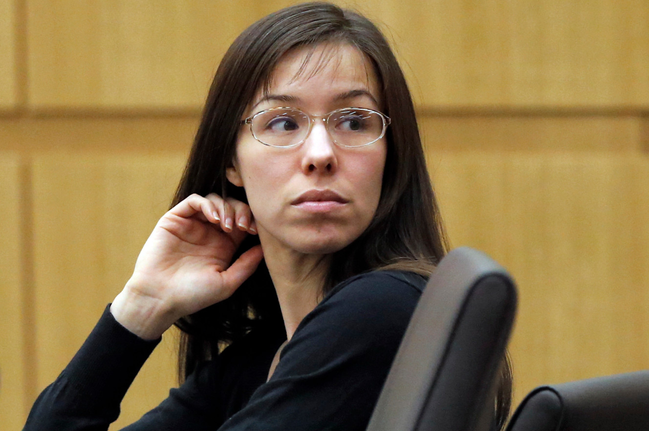 picture of murder suspect jodi arias in new york post with link to post article where horowitz is quoted about arias representing herself